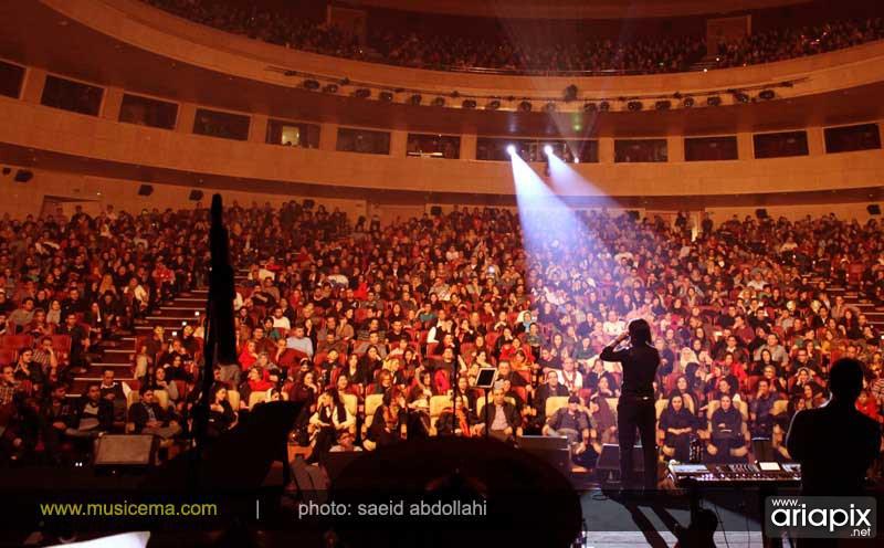 http://winplay.ir/wp-content/uploads/2017/01/کنسرت-محسن-یگانه-1.jpg